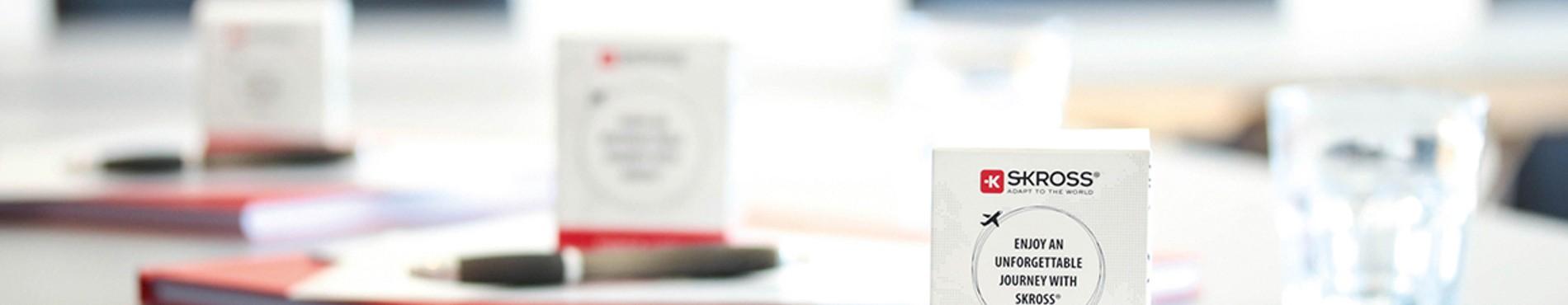 Personnalisez vos produits SKROSS ® avec laboiteaobjets.com la référence de vos cadeaux d'affaires